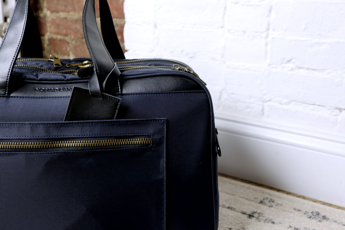 closeup of back - best travel bag for men - nomad lane bento bag