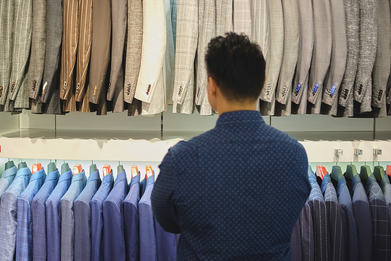 browsing suitsupply store - effortless gent