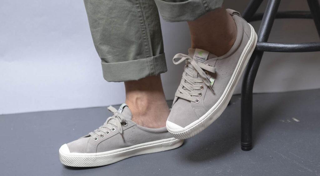 cariuma oca low grey on feet 2