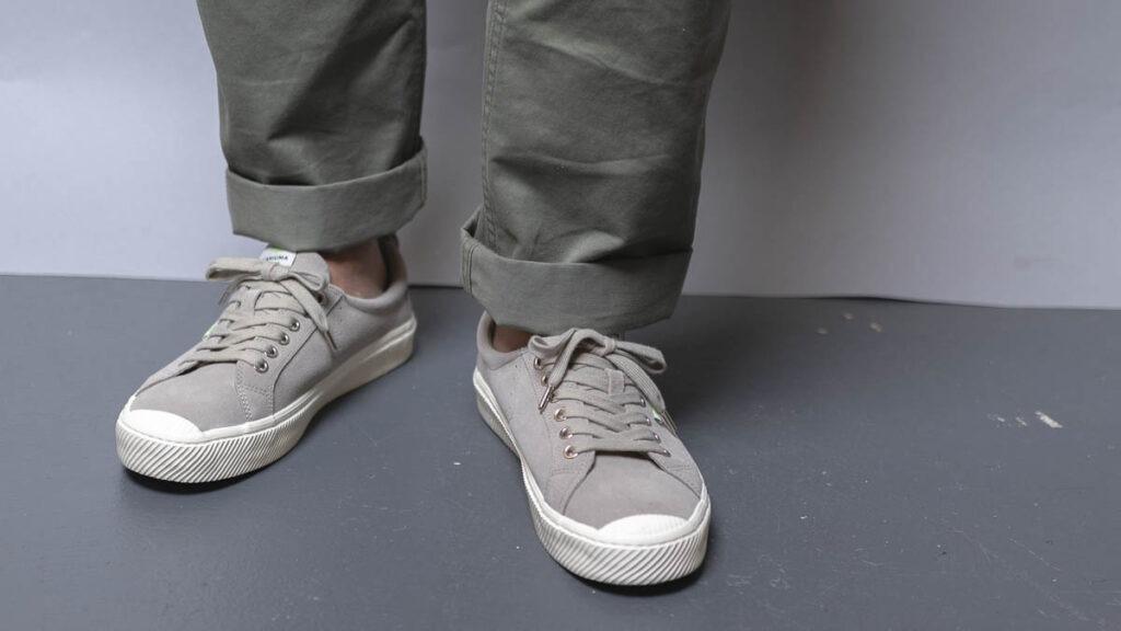 cariuma oca low grey on feet 4