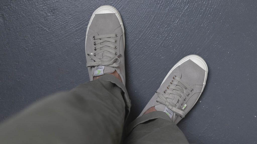 cariuma oca low grey on feet top down